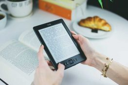 eBook-vs-Printed-The-Choice-Book-Lovers-Face